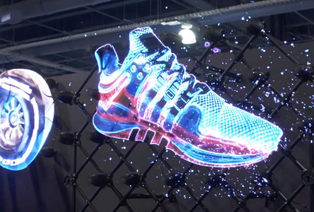 Hologramas para eventos de una zapatilla luminosa