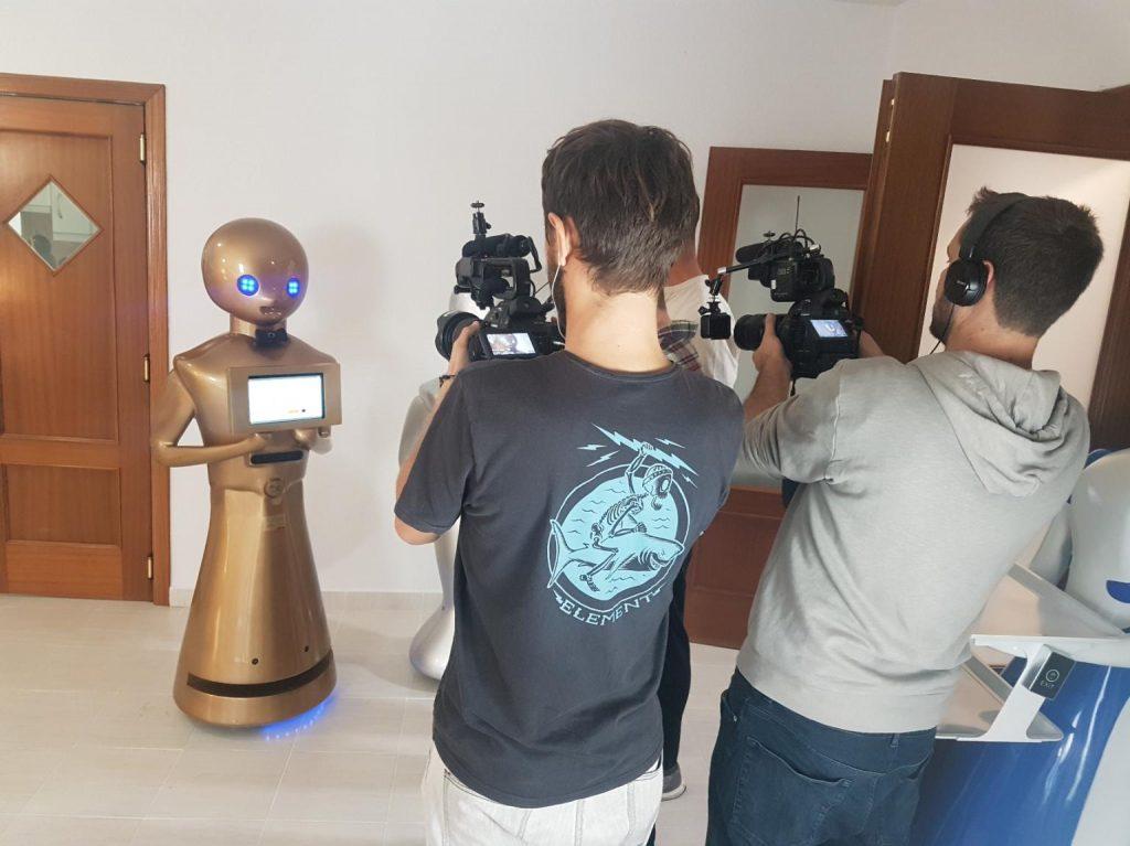 Robot Tokyo Medios